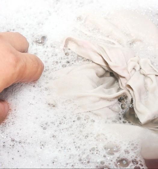 Lavare a mano