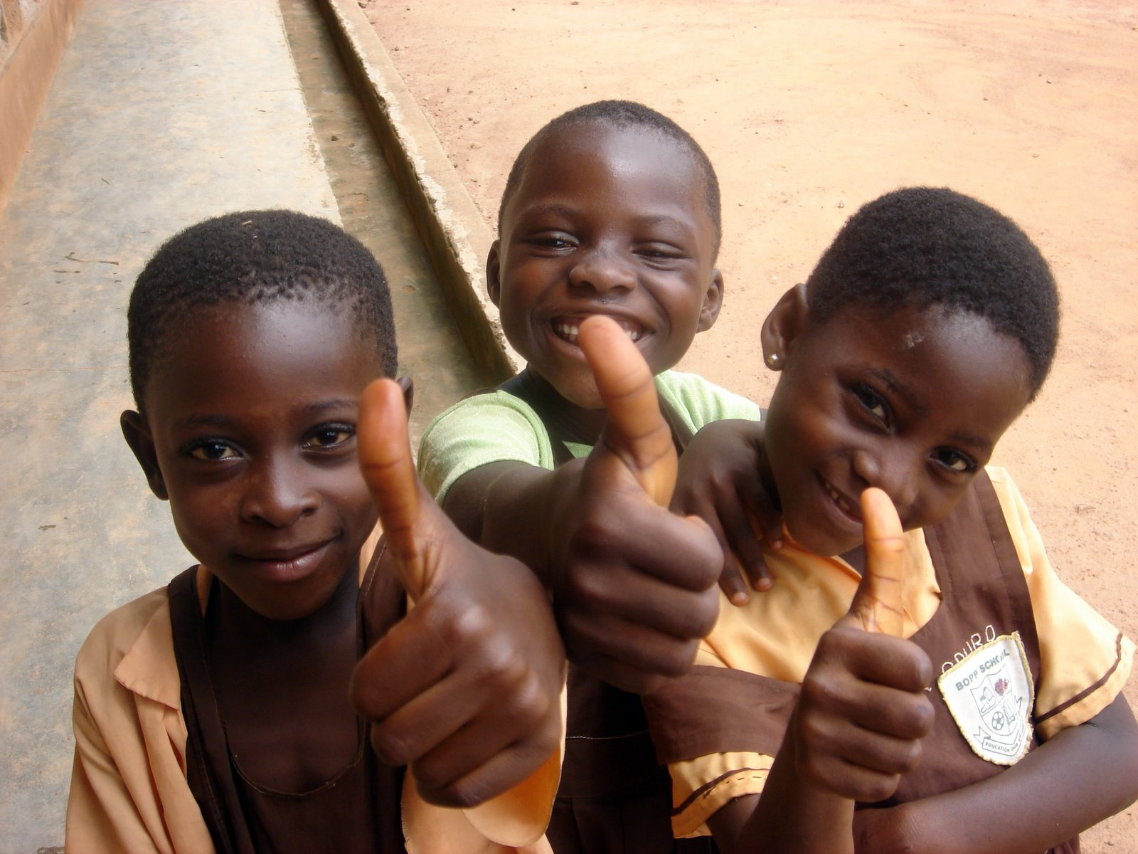 Ghanaian kids thumbs up