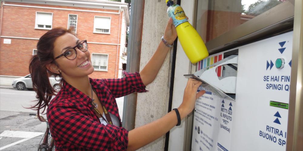 Riciclare = risparmiare. Quando bersi una birra è molto eco-friendly!
