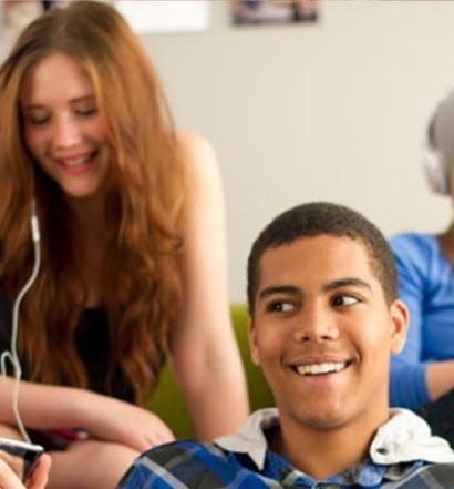 Appartamento vs Studentato: cosa cambia? [INTERVISTA]