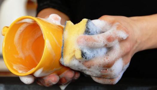 5 trucchi per lavare meglio i piatti