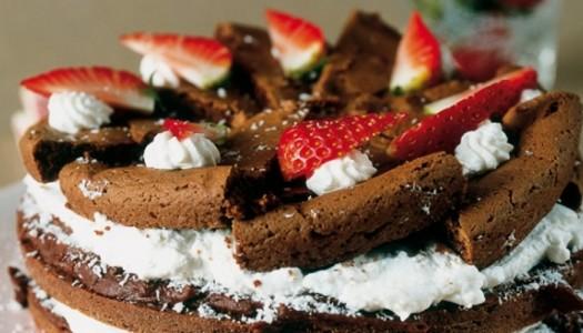 Torta al cioccolato con panna e cocco