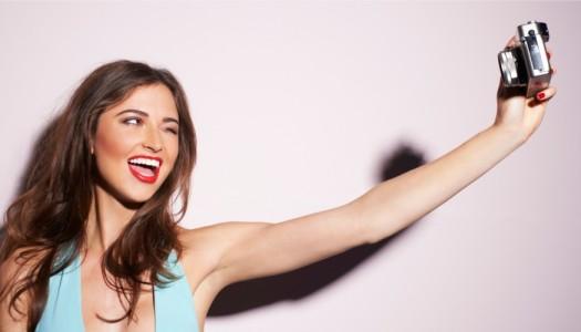 Selfie guida: le 5 regole per lo scatto perfetto