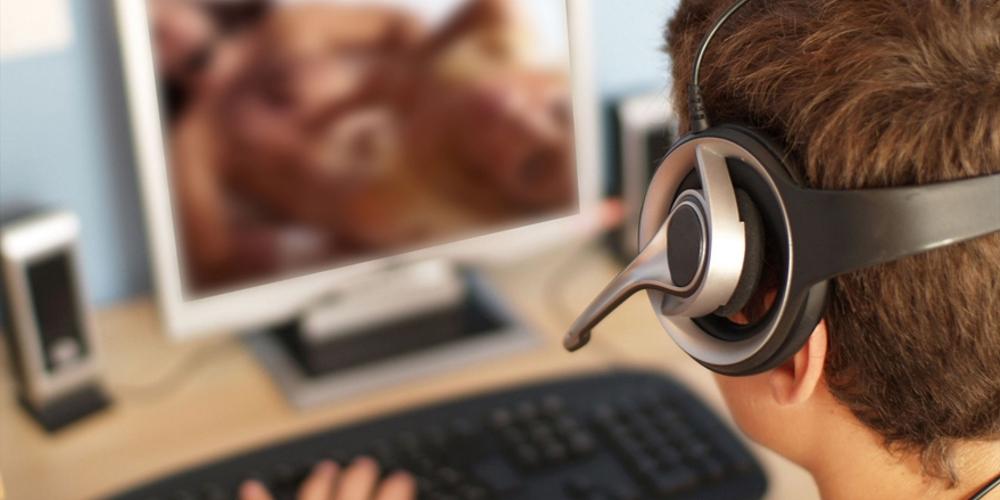 Porno sul computer: come guardarlo... E poi nasconderlo