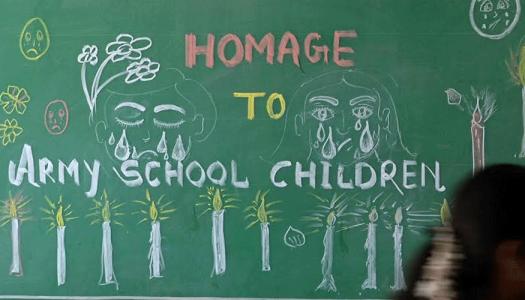 Morire fra i banchi di scuola: bambini e giovani studenti sulla linea di fuoco