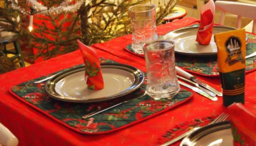 Cena pre-natalizia: salutare gli amici con una festa a costo (quasi) zero