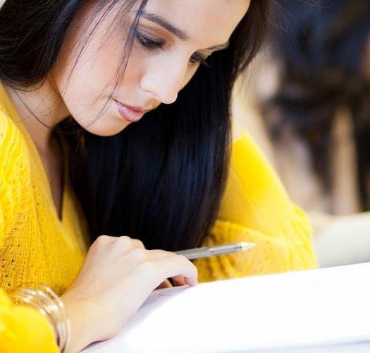 5 motivi per stare insieme ad un/una studente/essa di lettere